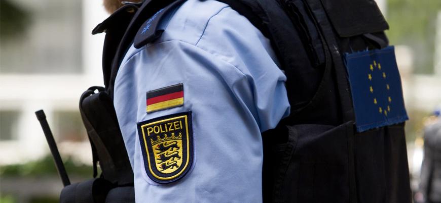 Almanya'da Nazi propagandası yapan 29 polis görevden alındı