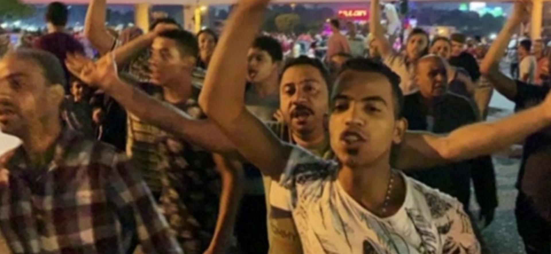 Mısır'da halk sokaklara indi: 'Defol Sisi seni istemiyoruz'