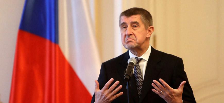 Çekya Başbakanı: Göçmenler ülkelerine geri gönderilmeli