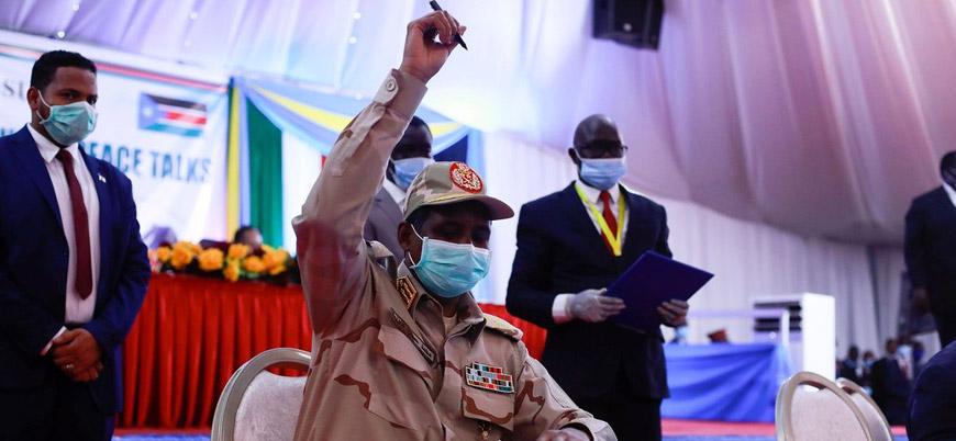Sudan'da 'iç savaşı bitirecek' tarihi barış anlaşması