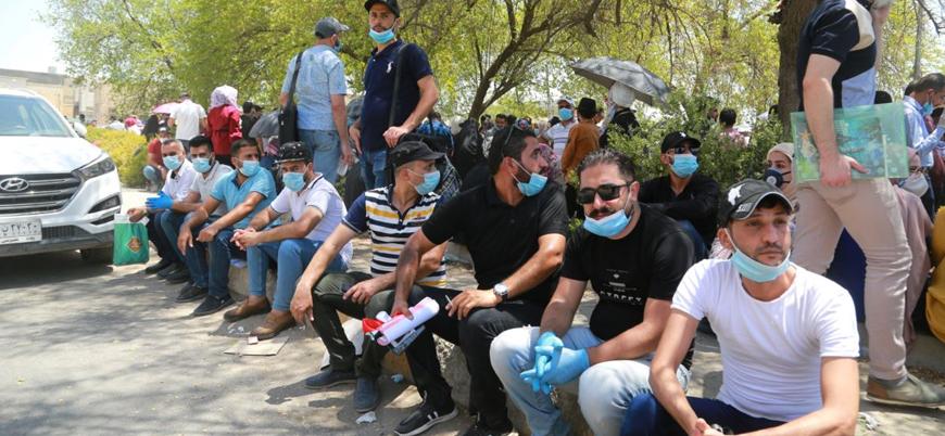 Arap gençler kötü yönetimler yüzünden ülkelerini terk etmek istiyor