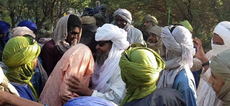 El Kaide Mali'deki esir takasını kutluyor