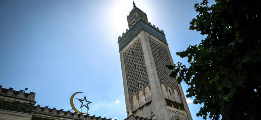 Fransa bir camiyi daha kapatıyor