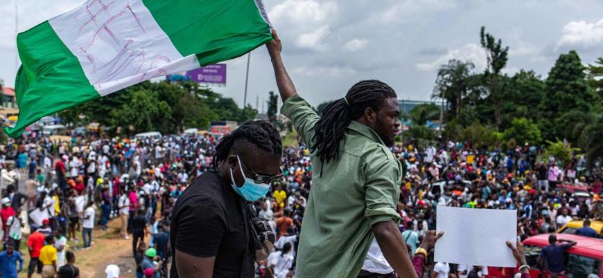 Nijerya'da güvenlik güçleri göstericilerin üzerine ateş açtı