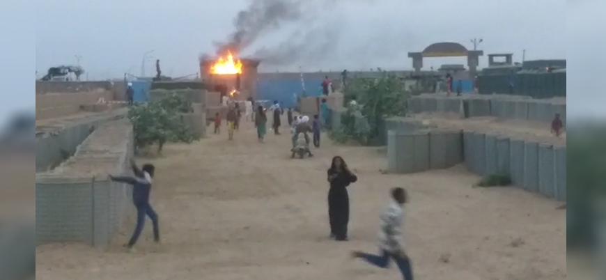 Mali'de göstericiler Fransız üssünü ateşe verdi