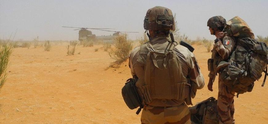 Fransa yüzlerce askerini Mali'den çekiyor