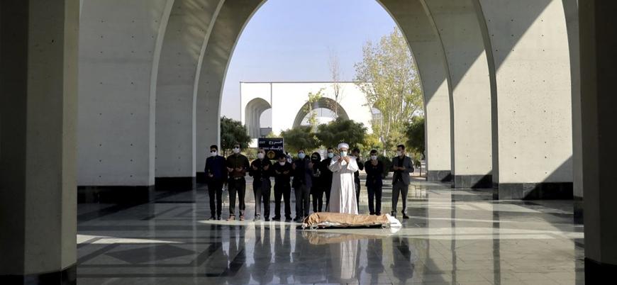 İran'da koronavirüs ölümleri 40 bini aştı