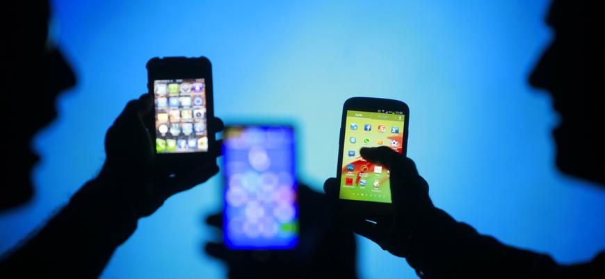 ABD ordusu 'İslami akıllı telefon uygulamalarını' kullanarak Müslümanları izlemiş