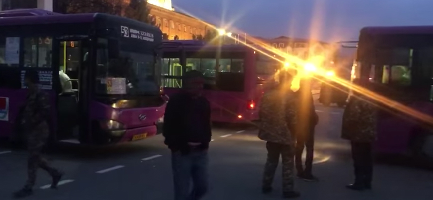 Rusya Savunma Bakanlığı: Ermenileri Karabağ'a geri taşıyoruz