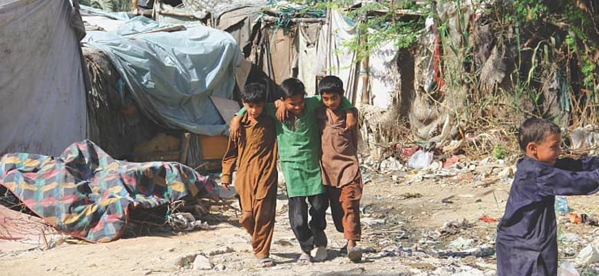 Pakistan'da 23 milyon çocuk okula gitmiyor