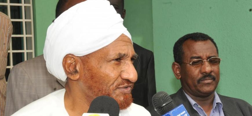 Sudan eski Başbakanı Sadık el Mehdi BAE'de koronavirüsten hayatını kaybetti