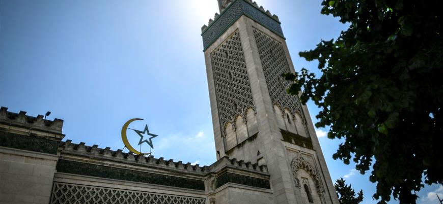 Fransa 76 camiyi kapatmaya hazırlanıyor