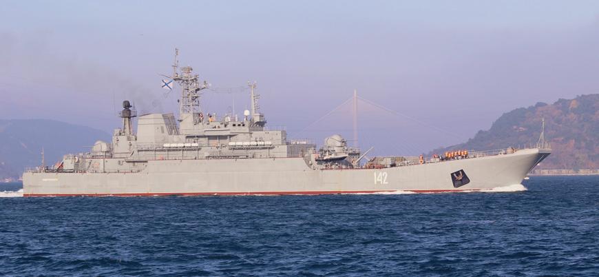 Rusya'nın Suriye'ye gönderdiği tank yüklü iki savaş gemisi Boğazlardan geçti