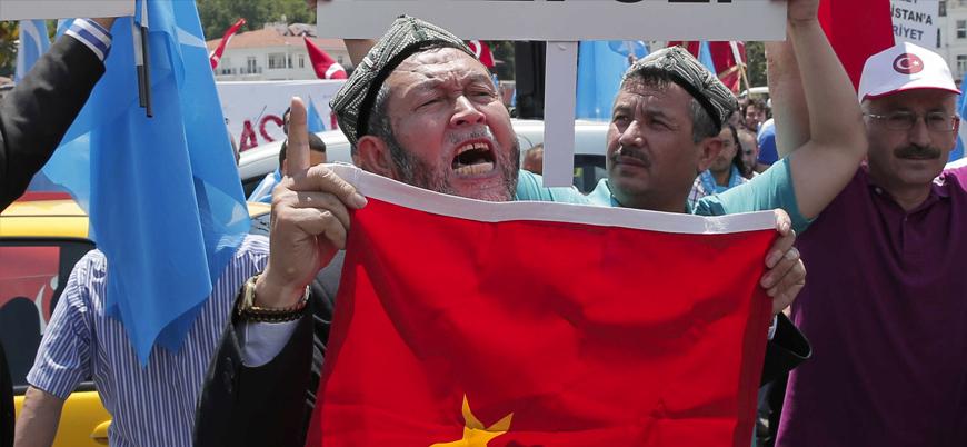 Times: Çin Türkiye'deki Uygurları ajanlık yapmaya zorluyor