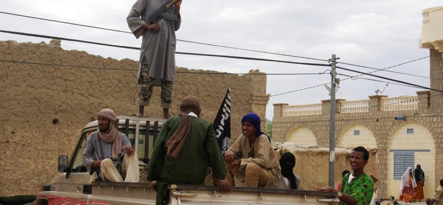 Mali'de El Kaide'nin Fransa ve IŞİD ile savaşı sürüyor