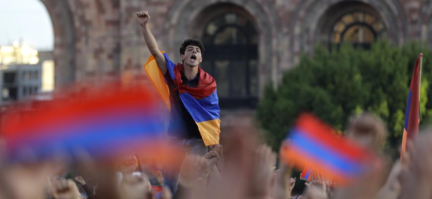 Ermenistan'da Paşinyan'ın istifası talebiyle 'genel grev' çağrısı