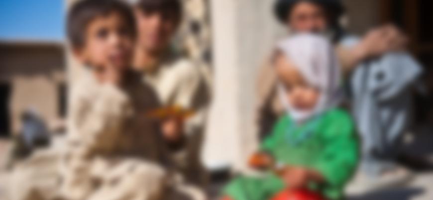 Afganistan'da açlıktan ağaç yaprağı yiyen çocuklar hastaneye kaldırıldı
