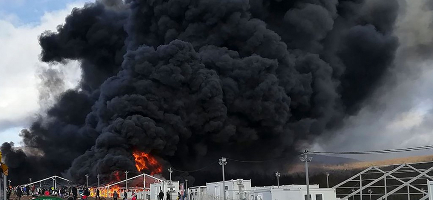 Bosna'da göçmen kampında yangın: Yüzlerce sığınmacı evsiz kaldı