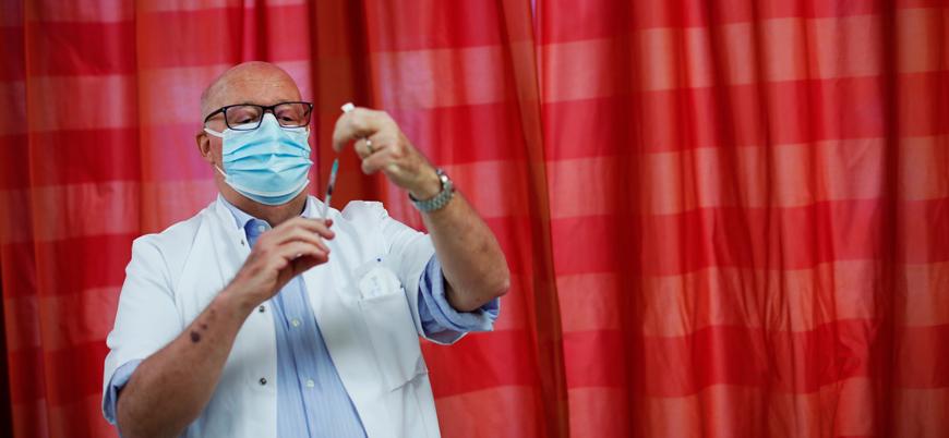 İspanya'da aşıyı reddedenlerin isimleri kaydedilecek