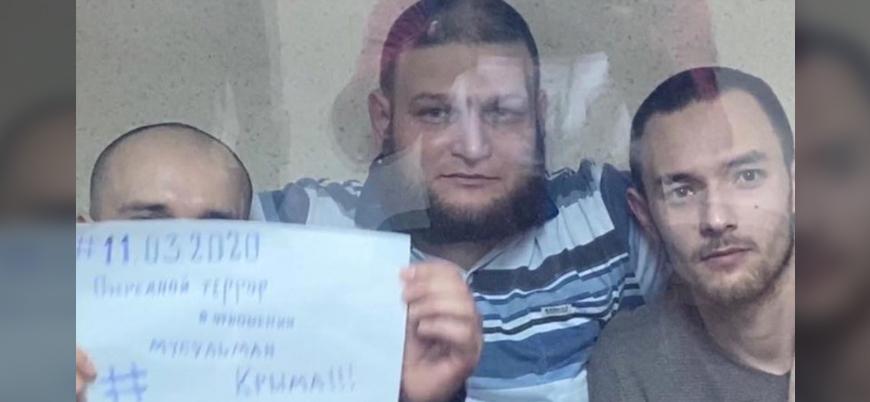 Kırım'da tutuklanan Tatarlar yasa dışı şekilde Rusya'ya götürülüyor