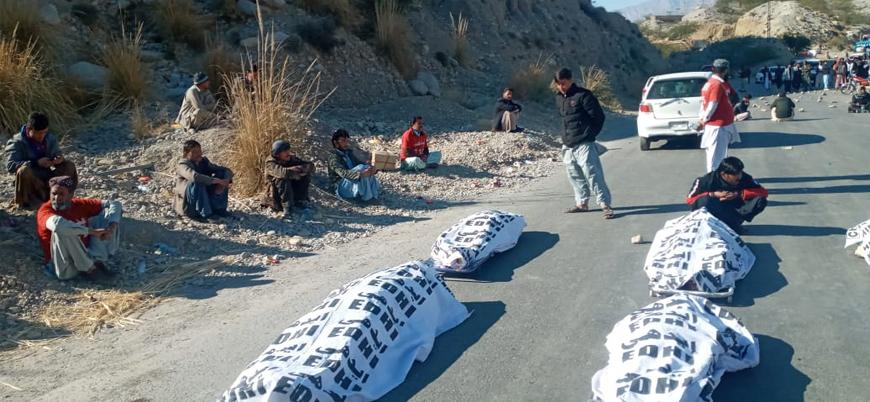 IŞİD Pakistan'da alıkoyduğu Hazara madencileri infaz etti