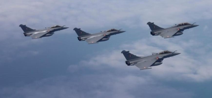 Fransız savaş uçakları Orta Afrika Cumhuriyeti semalarında