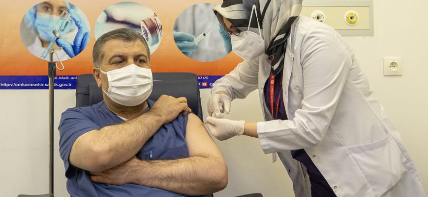 Sağlık Bakanı Fahrettin Koca koronavirüs aşısı oldu
