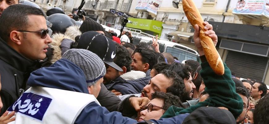 Tunus halkı sokaklara döküldü