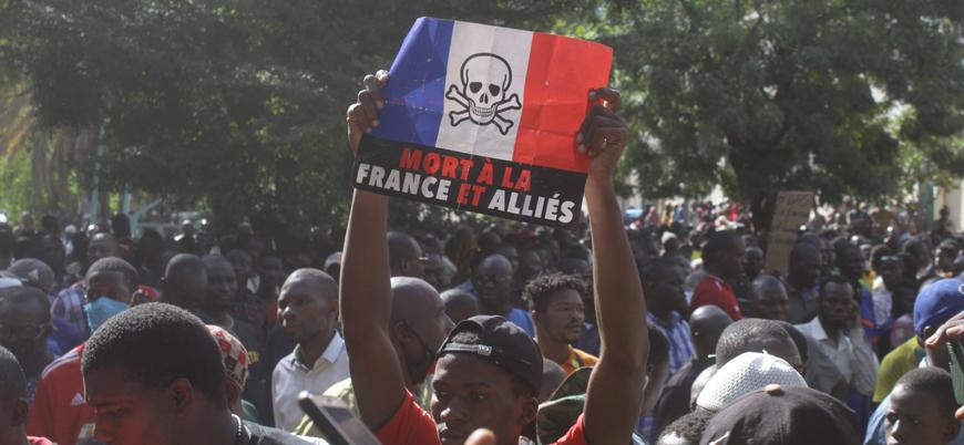 Mali'de halk 'Fransız işgalini protesto için' sokaklara döküldü