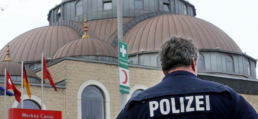 """Almanya'da """"İslamcılıkla mücadele"""" için camilerin kayıt altına alınması gündemde"""