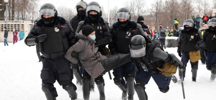 Rusya'daki Navalny gösterilerinde gözaltı sayısı 5 bini geçti