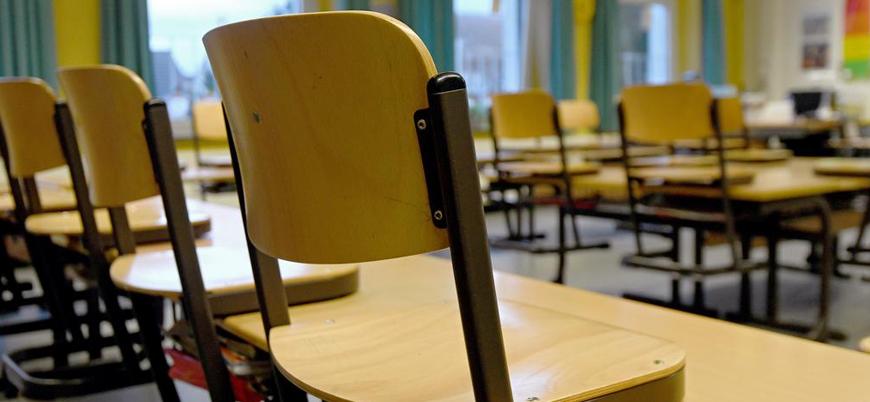 Almanya'da okulların açılması gündemde