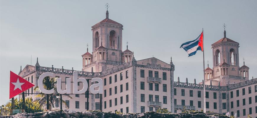 Küba ekonomisi özel sektöre açılıyor