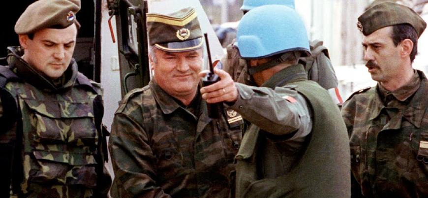 Hollanda, Srebrenitsa katliamı nedeniyle suçlanan askerlerine 'jest' yapacak