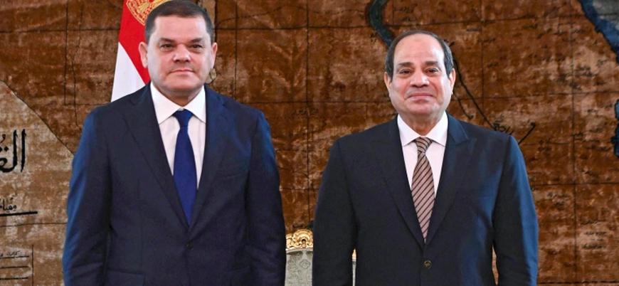 Libya Başbakanı Dibeybe Kahire'de Sisi ile bir araya geldi