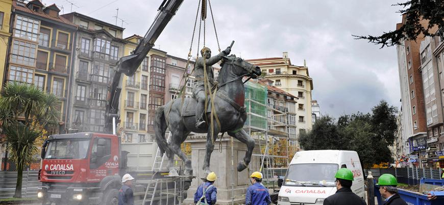 Diktatör Franco'nun tüm heykelleri kaldırıldı