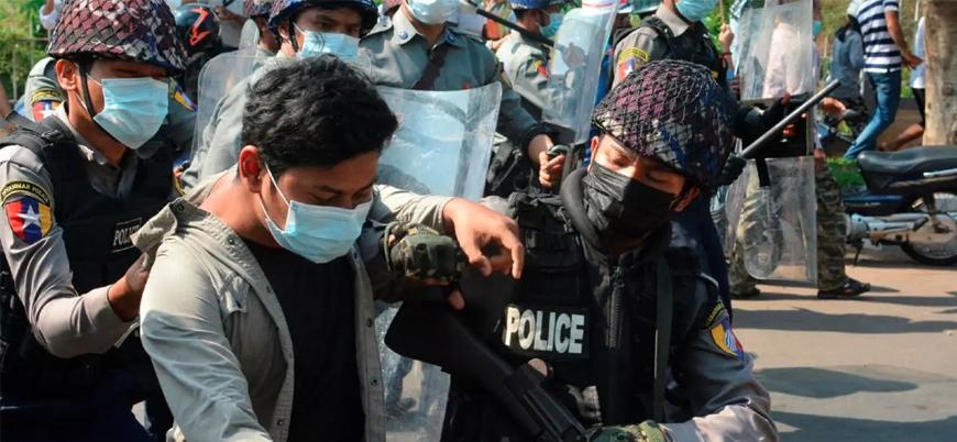 Myanmar'da darbe karşıtı gösterilerde ölü sayısı artıyor
