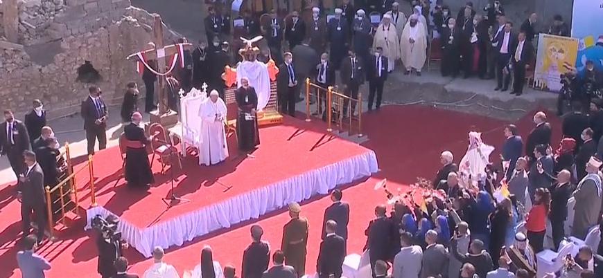 Papa Francis Musul'da ayin düzenledi