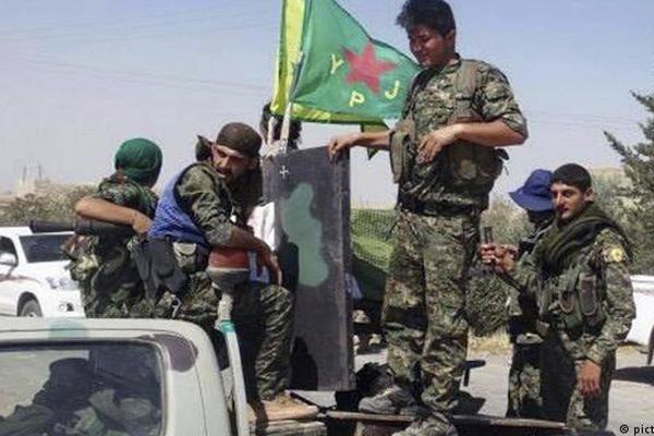 ABD: Tabka'yı YPG'ye bırakarak çekildik