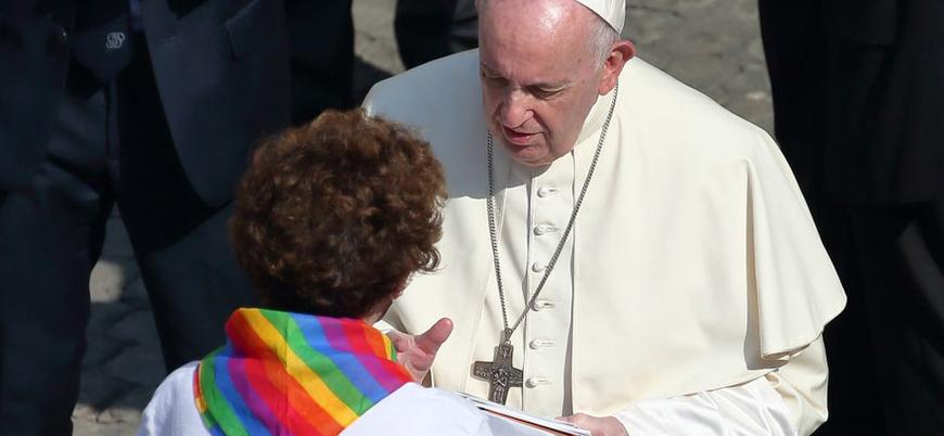 Vatikan: Eşcinsel çiftler kutsanamaz