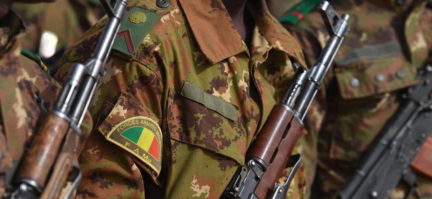 Mali'de askeri üsse saldırı: 33 ölü