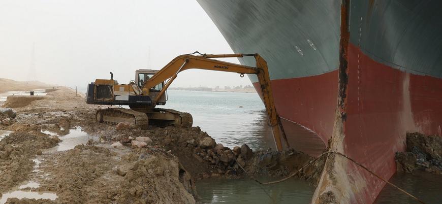 """""""Süveyş Kanalı'nda kriz haftalar sürebilir"""""""