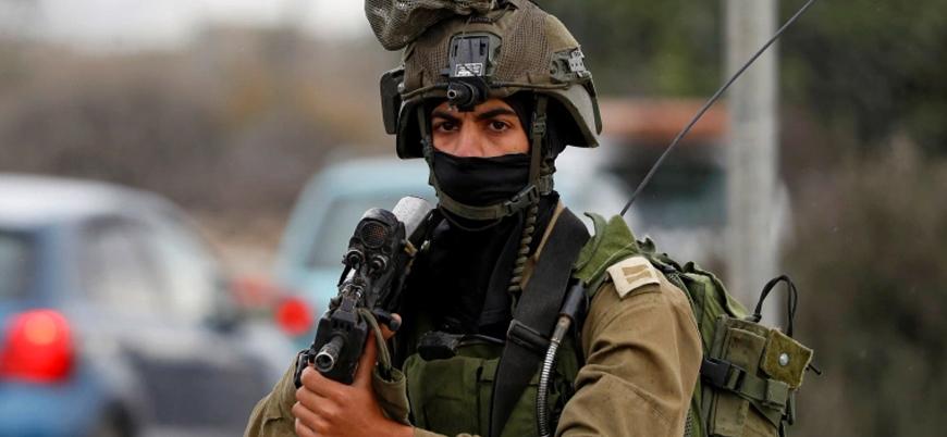 İsrail askerleri Filistinli bir sivili katletti, eşini yaraladı