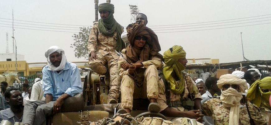 Sudan'ın güneyindeki Darfur'da çatışmalar şiddetleniyor