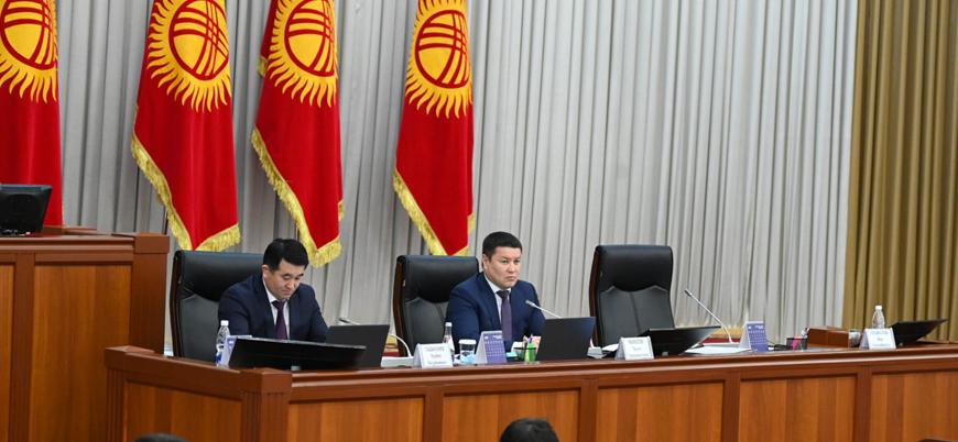 Kırgızistan'da halk yönetim sistemini değiştirmek için sandık başında