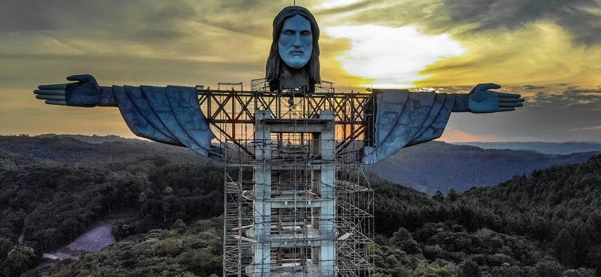 Koronavirüsün yıkıma uğrattığı Brezilya'da en uzun 'İsa' heykeli inşa ediliyor