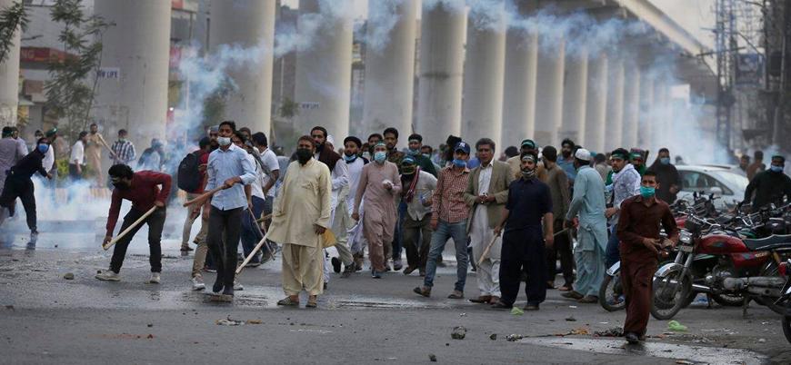 Pakistan: Binlerce kişinin katıldığı gösterilerde ölü ve yaralılar var