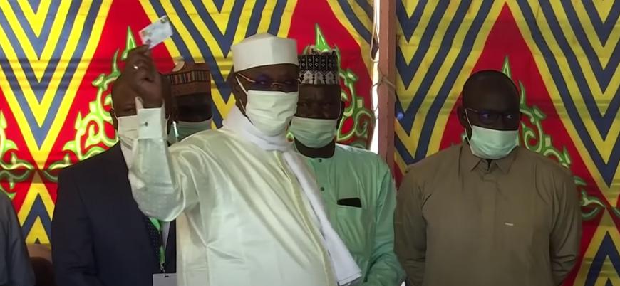 Çad'ın 31 yıllık Cumhurbaşkanı Idriss Deby seçimleri yeniden kazandı