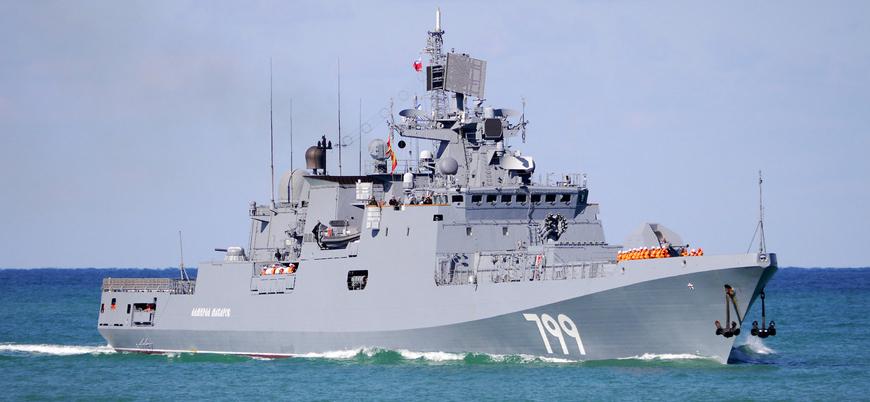 Rus savaş gemileri Karadeniz'de tatbikat yaptı