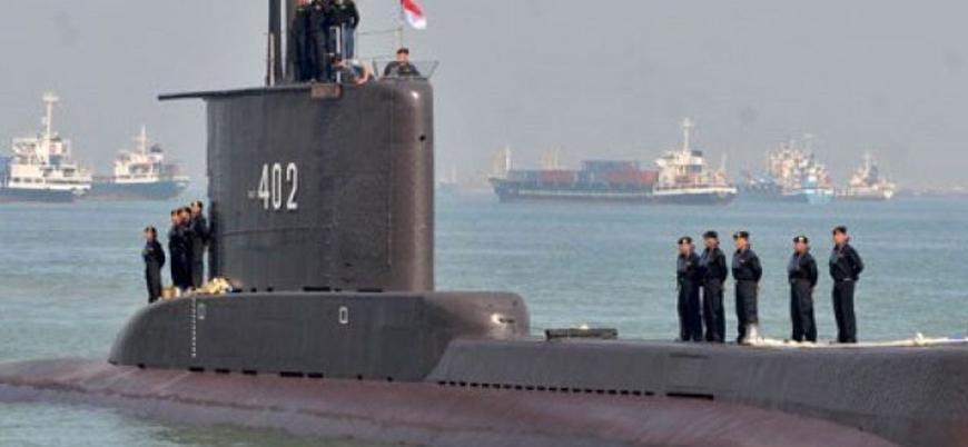 Endonezya'da askeri denizaltı kayboldu
